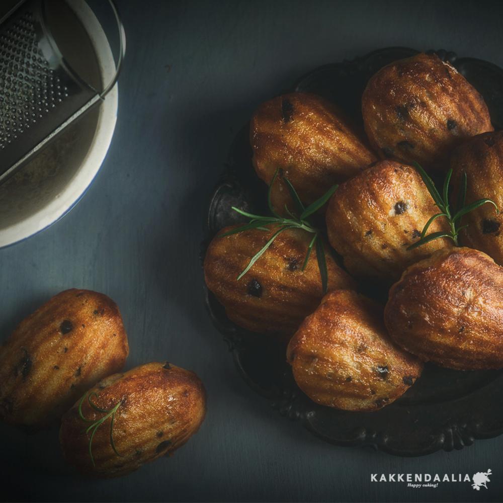 Tällä kertaa kokeilussa suolaiset madeleinet. Tuleeko niihin ollenkaan simpukan muotoa? Tuleeko tästä yhtään mitään?