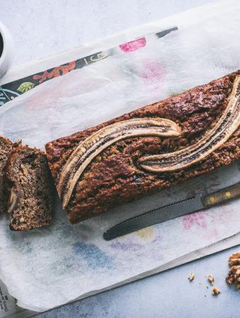 Ylikypsistä banaaneista tulee usein tehtyä smoothie. Pakastetuista banaaninviipaleista saa marjojen kanssa soseutettuna hyvän sorbetin. Mutta mitä muuta ylikypsistä banaaneista voisi tehdä?